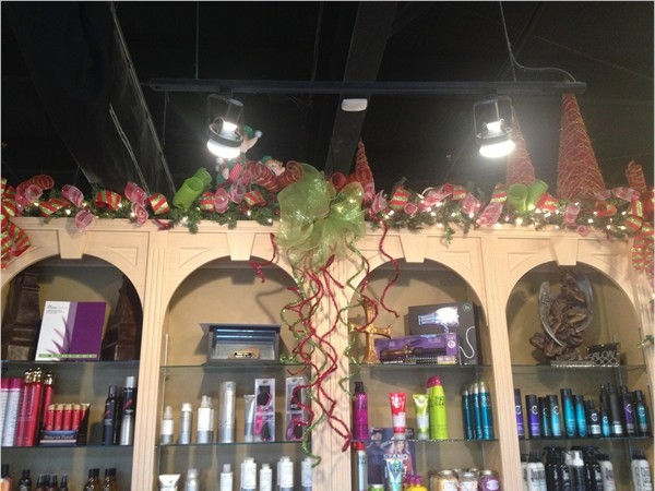 Trussville's Salon 2000 gets in the Christmas spirit