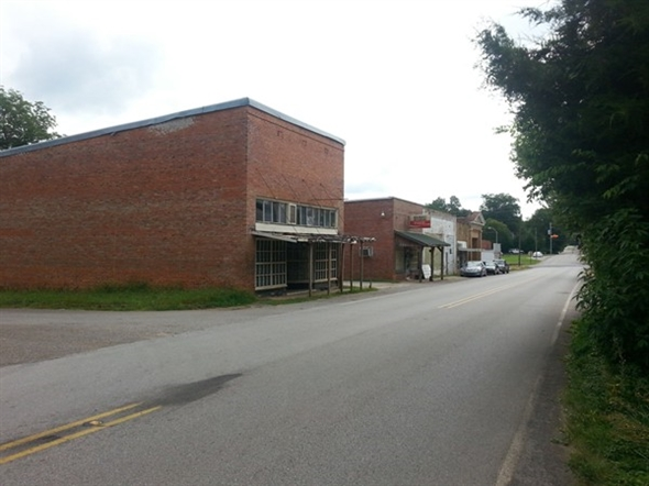 Street view of old downtown New Market, AL. Established in 1806, Madison County's oldest town.