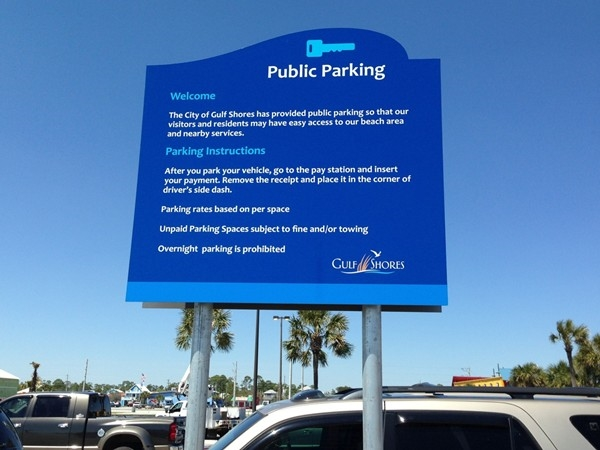 Lots of public parking at the beach in Gulf Shores