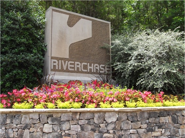 Pretty entrance to Riverchase