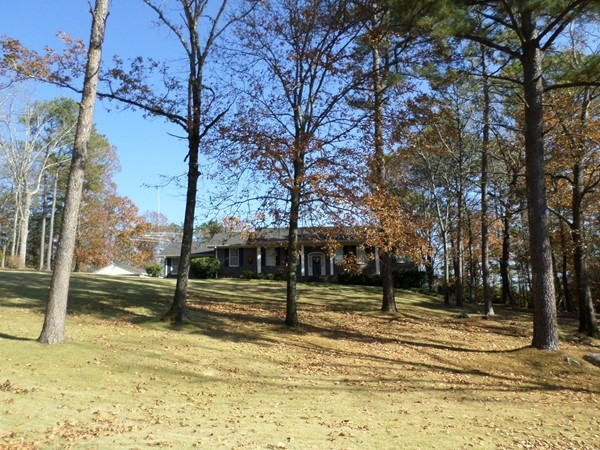 Nice wooded lot in Brookstone Estates