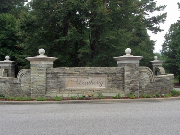 Entrance to Olde Weatherly