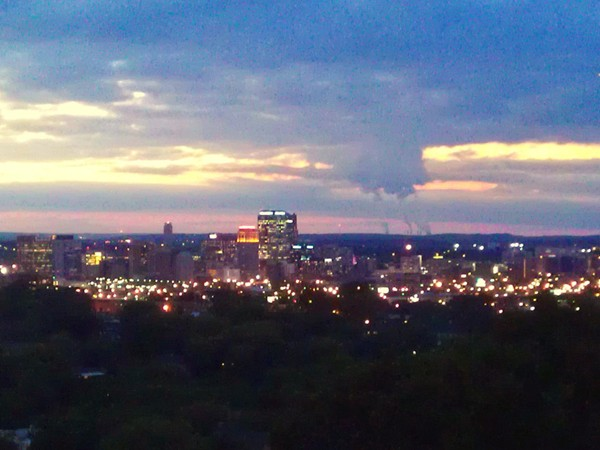 Sunset view of downtown Birmingham from Altamont / Highland Park