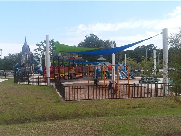 We take our babies here frequently, such a safe place for the kids to have fun