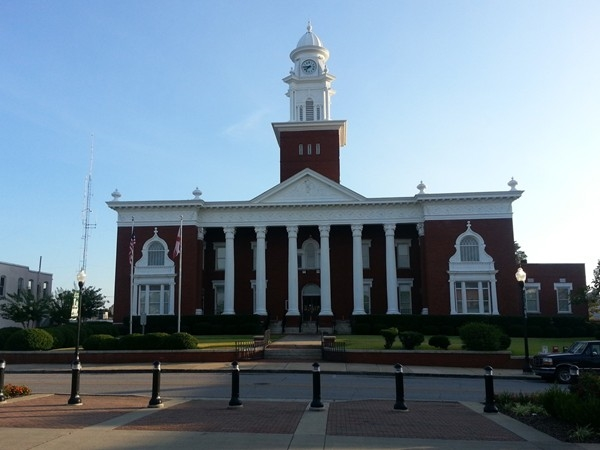 Opelika Courthouse in Opelika Historical District