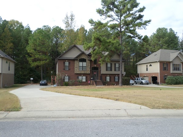 Nice two story home in ChinaBerry Highlands