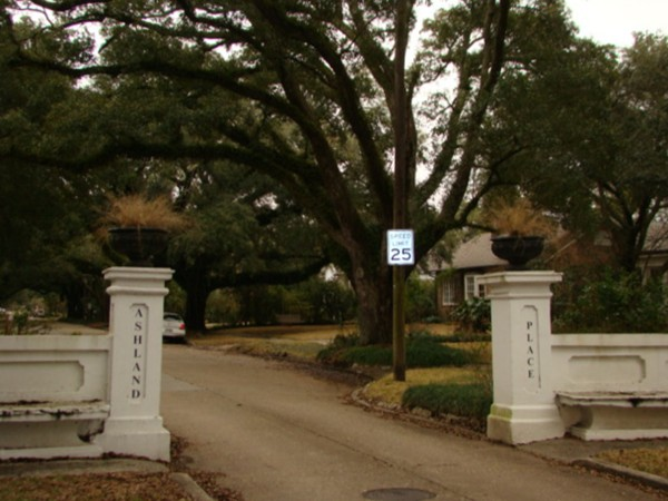 HIstoric, exclusive homes grace this midtown Mobile neighborhood filled with glorious old oaks!