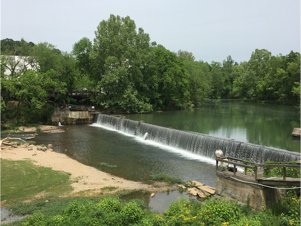 Old Cahaba River runs through Helena here at Buck Creek Park