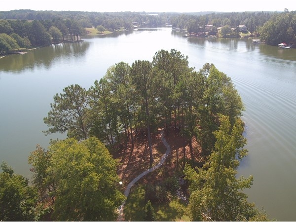 Beautiful point on Lake Wedowee!  Come visit and see what Lake Wedowee is all about